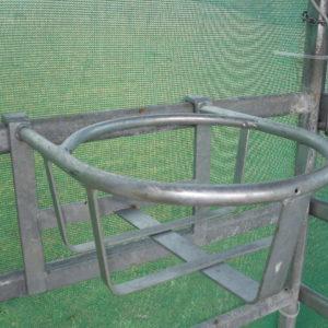 Porte seau rond pour barrière