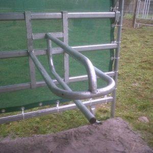 Porte selle western pour barrière